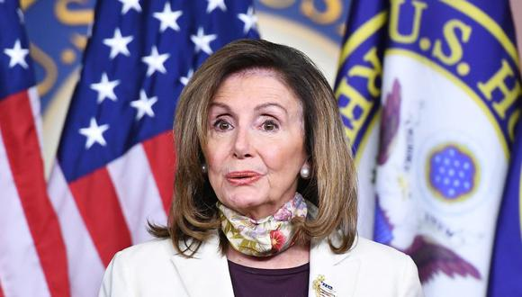 Nancy Pelosi lidera por parte de los demócratas las hasta ahora fallidas negociaciones con la Casa Blanca para lanzar un nuevo paquete de estímulo económico. (Foto: AFP).