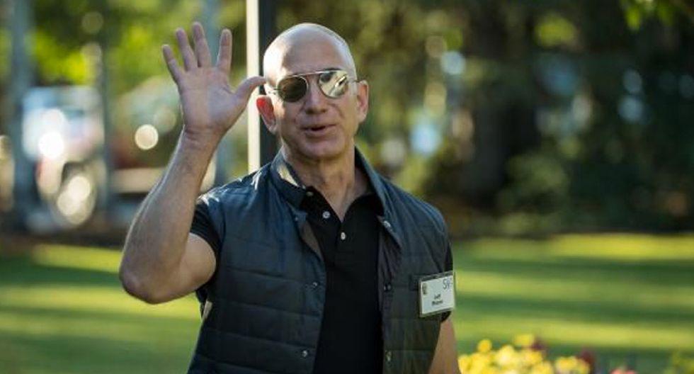 FOTO 2  DORMIR 8 HORAS, ASÍ SE CAIGA EL MUNDO (JEFF BEZOS, CEO DE AMAZON). Bezos sabe que el descanso es importante, y él no es de los que tiene bastante con 5 o 6 horas. Por eso, pone su despertador siempre contando con descansar al menos 8, y evita programar reuniones a las primeras horas del día. Patrón similar sigue Zuckerberg, CEO de Facebook, que programa su despertador en función de la hora a la que se acuesta, siempre procurando sumar las 8 horas de rigor. (Foto: Getty)