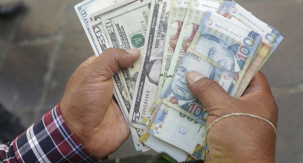 En el mercado paralelo o casas de cambio de Lima, el tipo de cambio se cotiza a S/ 3.460. (Foto: GEC)