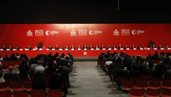 El presidente Martín Vizcarra también asistió a la firma del Pacto Ético Electoral. (Foto: Piko Tamashiro / GEC)