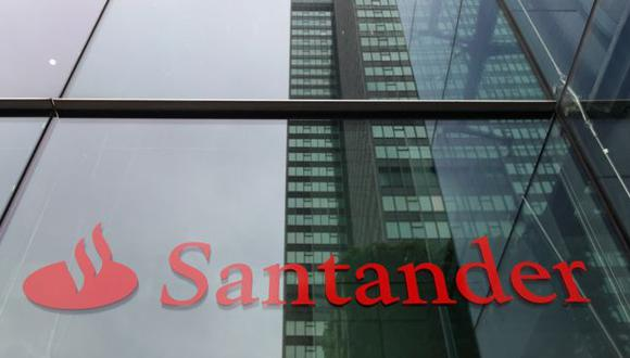 Santander dijo que su objetivo es lograr un ahorro de costes de 1,000 millones de euros a medio plazo en Europa, de su objetivo global de 1,200 millones de euros.