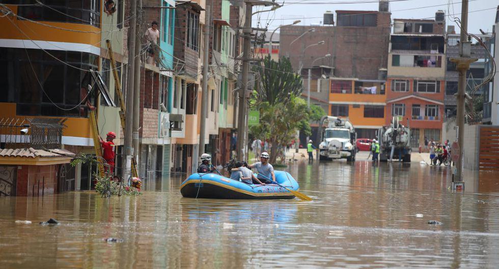 El domingo 13 de enero, los vecinos de la urbanización Los Jardines de San Juan de Lurigancho, fueron sorprendidos durante la madrugada por un gran aniego de aguas residuales.  (Foto: Giancarlo Ávila/GEC)