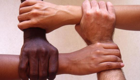 Un reto no solamente social sino también económico es derribar los prejuicios que nos impiden vernos como iguales. (Foto: Referencial)