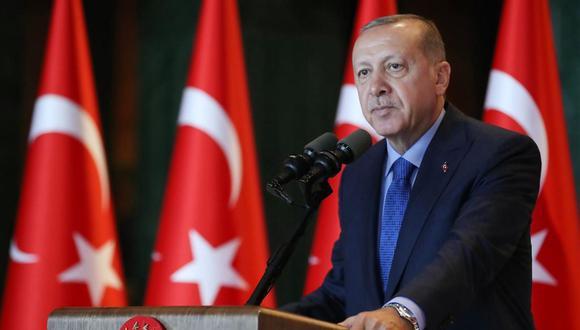"""Erdogan subrayó en un discurso la necesidad de """"reformas jurídicas"""", un punto en el que Turquía está en el foco de las críticas de la UE por mantener encarcelados a más de cien periodistas y a numerosos activistas, a menudo sin juicio."""