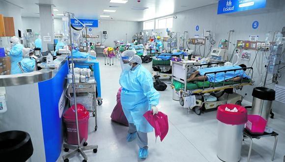 La Defensoría del Pueblo advirtió que ya no quedan camas UCI disponibles en Lima y Callao. (Foto: GEC)