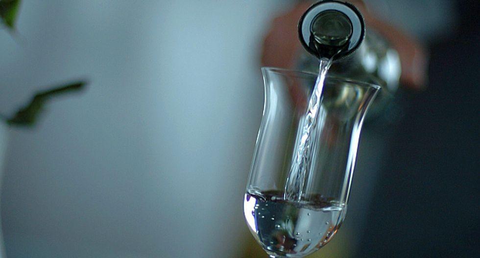 En el Reino Unido, el precio de una botella de pisco puede ir desde £20 (US$25.85) a inclusive £45 (US$58.17), dependiendo de la marca.