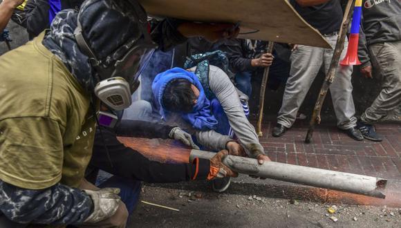 En las calles protestan trabajadores del transporte y sindicalistas, así como estudiantes e indígenas. (Foto: AFP)