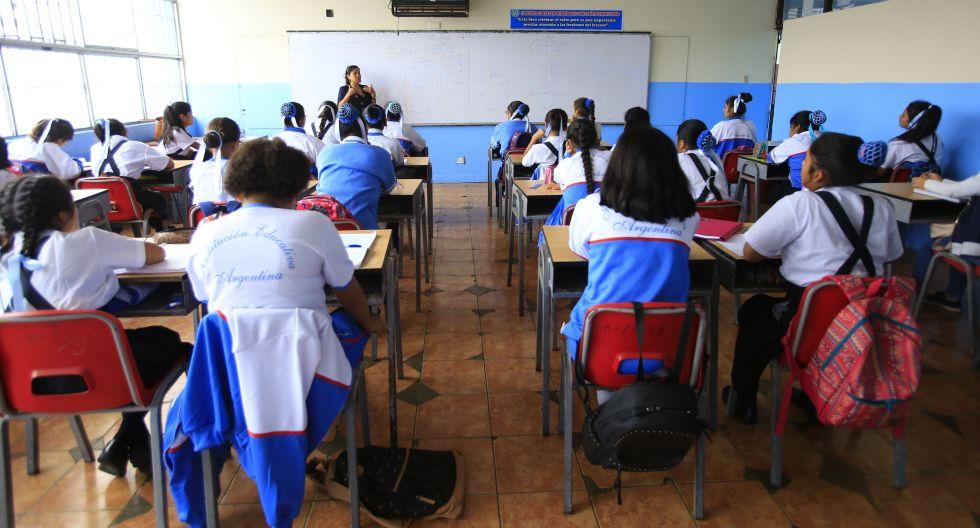 Morosidad mensual en los colegios privados llega al 50%. (Foto: GEC)