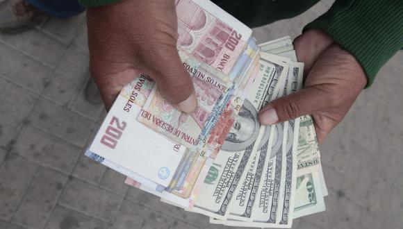 En el mercado paralelo o casas de cambio de Lima, el tipo de cambio se cotiza a S/ 3.600 la compra y S/ 3.640 la venta. (Foto: GEC)