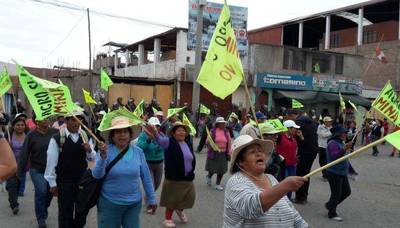 Las protestas contra Tía María se redujeron desde el fin de semana, pero aún bloquean algunas arterias de la Ciudad Blanca, (Foto: GEC)