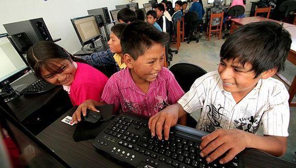 """""""Lo virtual debe ser el pretexto para mover los paradigmas acerca de qué se aprende y cómo se aprende"""", sostiene Cucha Valenzuela, directora del colegio Trener."""