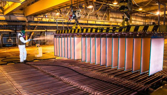 El subsector Minero Metálico cayó 6.41% ante los menores volúmenes de producción de oro (-46.6%), plata (-27.6%), plomo (-16.5%), hierro (-7.7%) y cobre (-2.2%), informó el INEI.