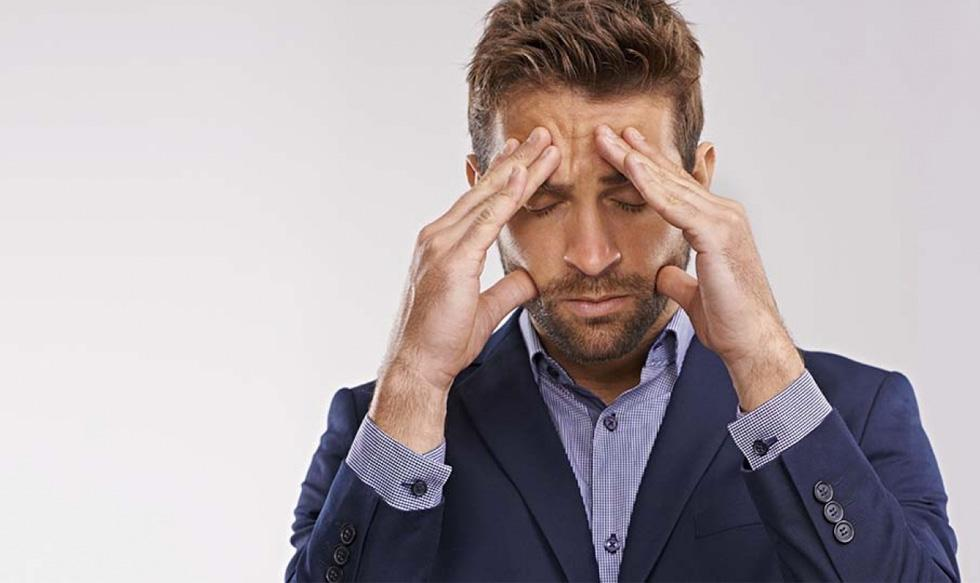 FOTO 1 | 1. Te estresas con facilidad. Cuando te comes tus sentimientos, estos se acumulan hasta generar sensaciones como tensión, estrés y ansiedad. Las emociones ignoradas dañan el cuerpo y la mente. La inteligencia emocional te ayuda a manejar mejor el estrés al ayudarte a identificar las situaciones que te agobian y a enfrentarlas adecuadamente a tiempo.   Las personas que no usan su inteligencia emocional tienden a apoyarse en otros métodos, menos saludables, para manejar la presión. Tienen el doble de posibilidades de experimentar ansiedad, depresión, abuso de sustancias e incluso de intentar el suicidio.