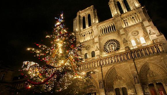 """Escrita en 1831, la novela de Victor Hugo, adaptada al cine en varias ocasiones y conocida también como """"El Jorobado de Notre Dame"""", se sitúa en 1482. (Foto: EFE)"""
