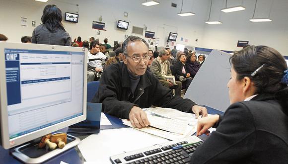 Afiliados. Monto del bono de reconocimiento deberá ser determinado por el Estado, dijo Paloma Noceda. (Foto: GEC)