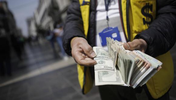 Dólar. (Foto: Joel Alonzo / GEC)