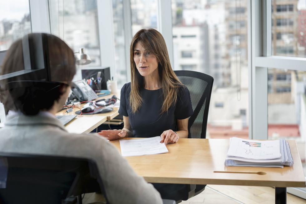 1. Agrega reuniones regulares entre gerentes y personal. (Foto: iStock)