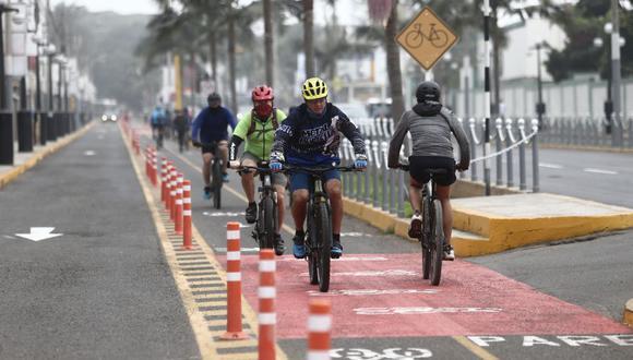 Todo ciclista debe contar siempre con el equipamiento básico de seguridad. (Foto: Jesús Saucedo/GEC)
