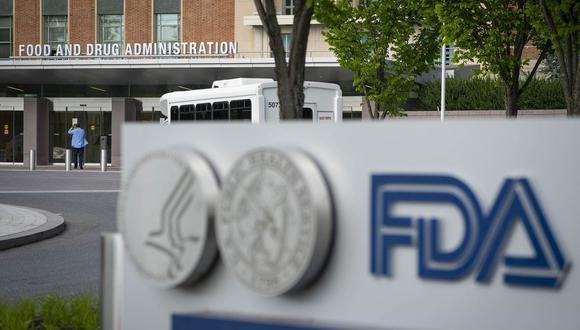 Funcionarios de salud de Estados Unidos han estado trabajando para evaluar las vacunas y los tratamientos para el COVID a máxima velocidad.