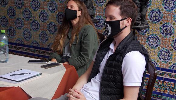 Dos integrantes de la bancada de Avanza País, Alejandro Cavero y Adriana Tudela. (Foto: Facebook).
