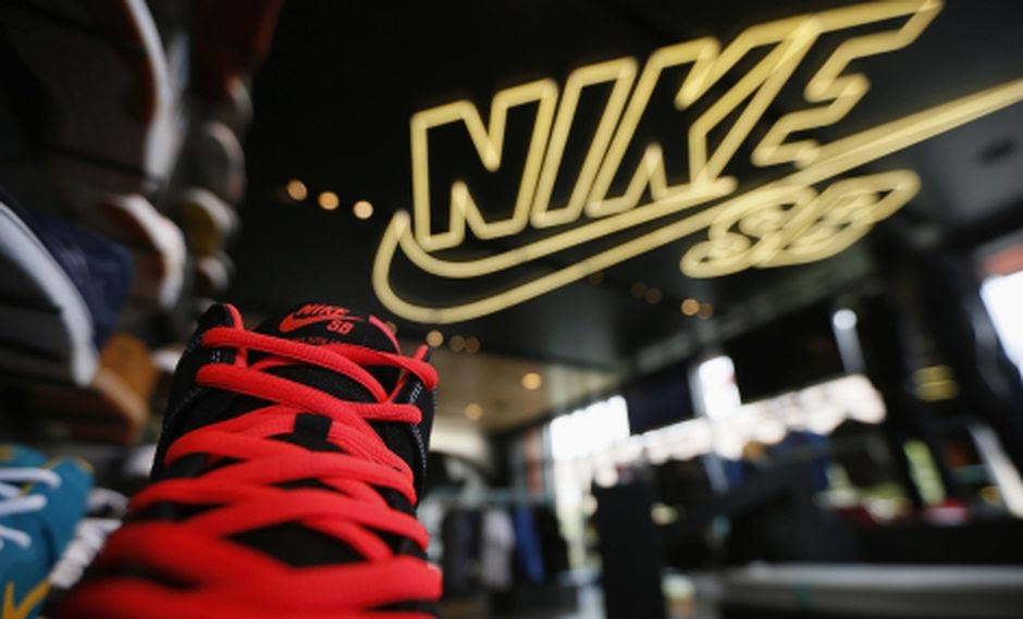Inversores premian buenos resultados y llevan a Nike a