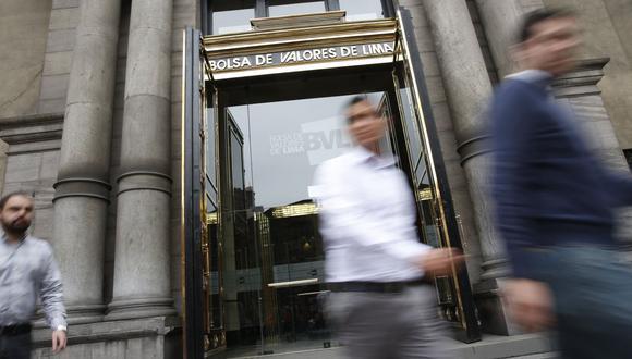 El indicador SP/BVL Perú General cerró hoy con un retroceso de 0.42% a 18,025.94 puntos. (Foto: GEC)
