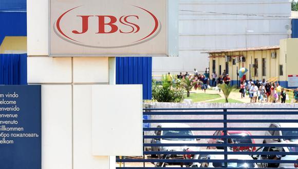 El gigante cárnico brasileño JBS dijo al gobierno de Estados Unidos haber sido extorsionada mediante un ciberataque que cree que se originó en Rusia y le obligó a suspender parte de su producción. (Foto: AFP)