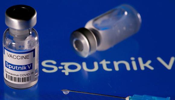 La vacuna rusa Sputnik V utiliza dos dosis. (REUTERS)
