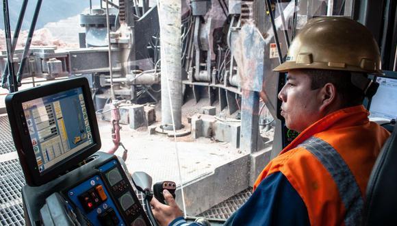Grupo México posee el 89% de Southern Copper a través de una subsidiaria.