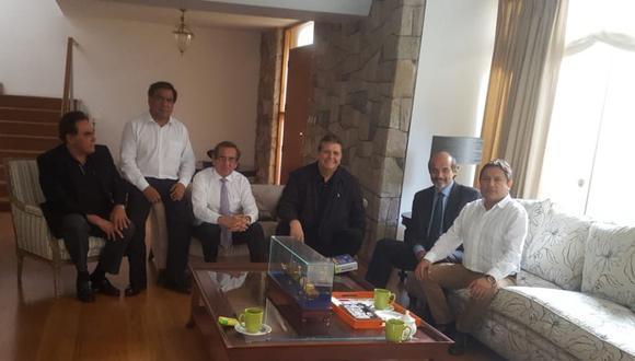 El ex mandatario se reunió con integrantes del partido, tras rechazo de asilo diplomático de parte de Uruguay (Foto: Difusión)