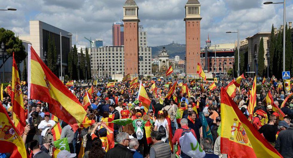 Incidentes con independentistas durante acto de ultraderecha en Barcelona. (Foto: AFP)