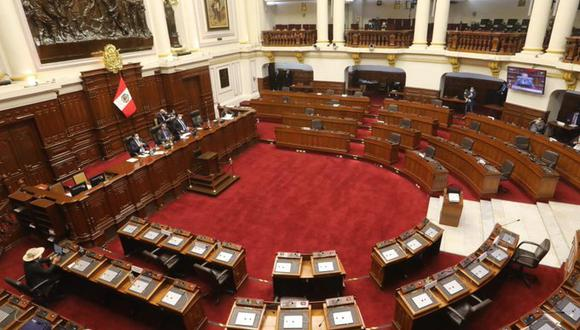 Por 76 votos a favor, 10 en contra y 35 abstenciones, el Pleno dio luz verde al texto sustitutorio de la Comisión de Constitución. (Foto: Congreso)