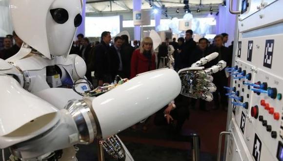 La inteligencia artificial avanza y podría suprimir muchos puestos de trabajo para la población mundial. (Foto: Reuters)