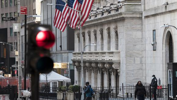Los empleadores más importantes de Wall Street han comenzado a presentar planes para convencer a su personal de que regrese a la oficina más de un año después de que la pandemia los obligara a enviar a los trabajadores en masa a sus casas. (Photo by Angela Weiss / AFP)