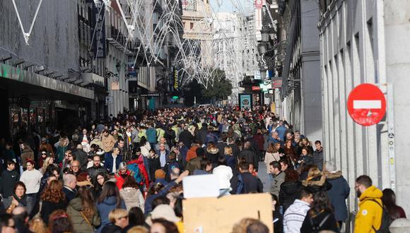 Turistas en Madrid. (Foto: EFE).