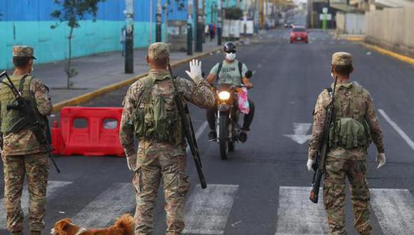 Entre las restricciones en Lima y Callao para este fin de semana figuran la prohibición de autos particulares los domingos y el toque de queda de lunes a domingo. (Foto: Archivo/GEC)