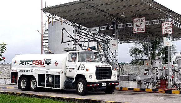 Opecu cuestiona a Petroperú por alza en precios de combustibles.