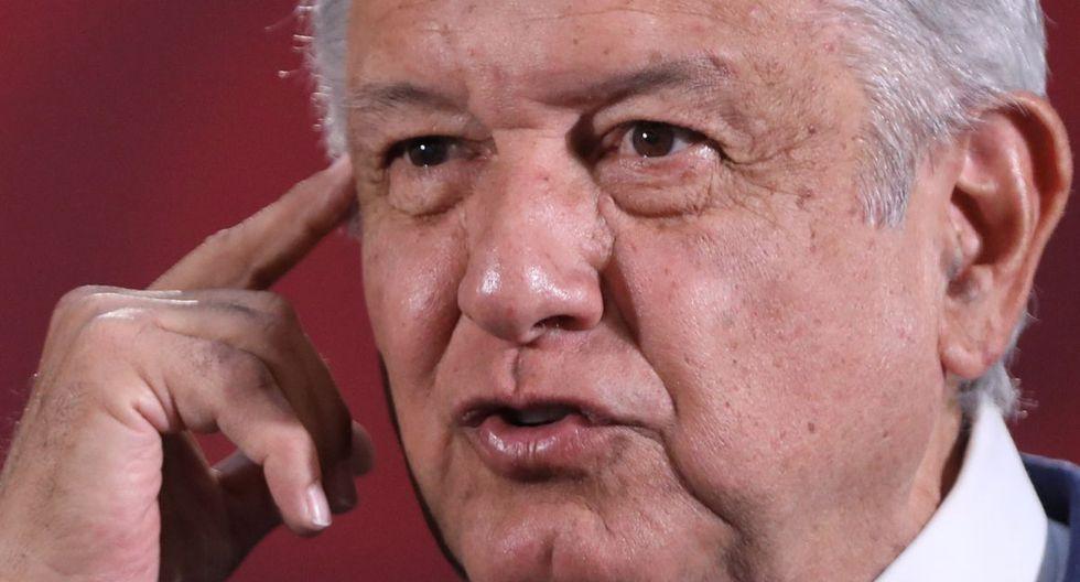 El presidente de México, Andrés Manuel López Obrador, que se había resistido a tomar medidas más drásticas, canceló el público en sus giras, como mostró su llegada este fin de semana al aeropuerto de Tijuana, en la frontera norte. (Foto: EFE)