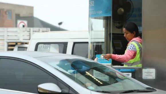 Concesiones viales continúan cobrando peajes, pero ley lo prohibiría. (Foto: GEC)