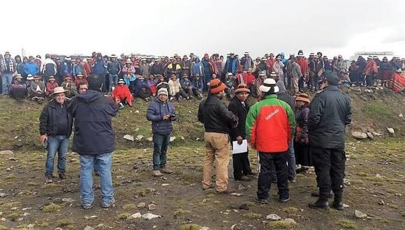 Pobladores exigen que el Estado y la minera Las Bambas cumplan los compromisos asumidos con el distrito. (Foto: Andina)