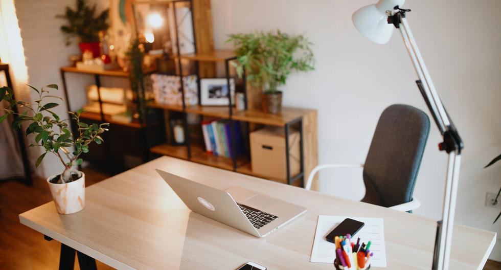 FOTO  | Cinco cosas que debes quitar de tu escritorio. (Foto: iStock)