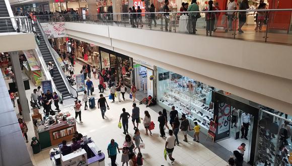 Ventas. Crecen más en los negocios ubicados en centros comerciales que en las plazas tradicionales.