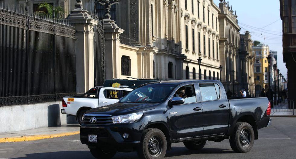 Miembros de la fiscalía llegaron hasta Palacio de Gobierno para realizar diligencias por el caso 'Richard Swing'. (Foto: Fernando Sangama / GEC)