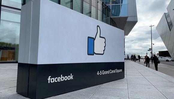 La red social estadounidense, que en los últimos años ha adquirido las aplicaciones de Instagram y WhatsApp, tiene a 2,700 millones de usuarios mensuales en su red. (Foto: EFE)