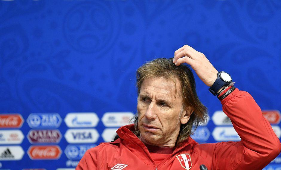La conferencia de prensa que brindó Ricardo Gareca dejó dudas sobre la titularidad de Paolo Guerrero frente a Dinamarca. (Foto: AP)