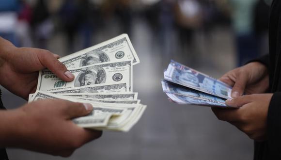 El dólar cerró a la baja el martes. (Foto: José Vidal | GEC)