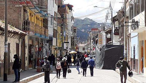 El identificar y desactivar focos de comercio informal deben ser evaluados por Sunat, según Picón.