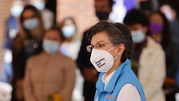 La alcaldesa de Bogotá, Claudia López, anunció que la ciudad entró en alerta naranja por el coronavirus. (Foto: EFE).