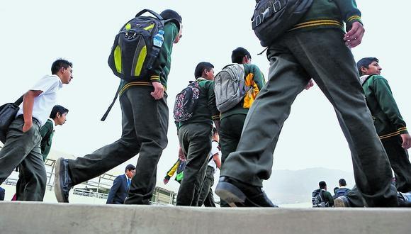Calidad. El 52% de quienes tienen a sus hijos en colegios públicos considera que es adecuada. (Foto: GEC)