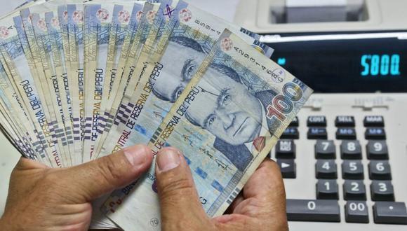 Este año, los trabajadores volverán a recibir la bonificación adicional de 9% o 6.25%, por sus aportes a EsSalud o a la EPS, según sea el caso. (Foto: Andina)